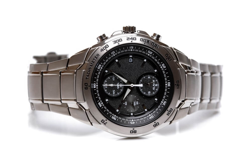Tachymeter na náramkových hodinkách